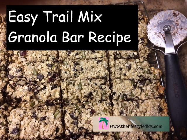 Easy Trail Mix Graola Bar Recipe